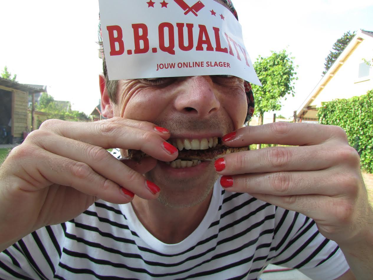 Bart eet spare-ribs | BBQuality