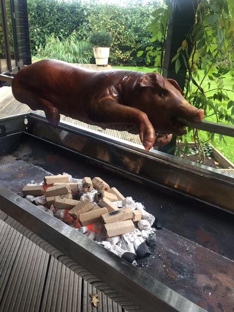 Speenvarken aan spit | BBQuality