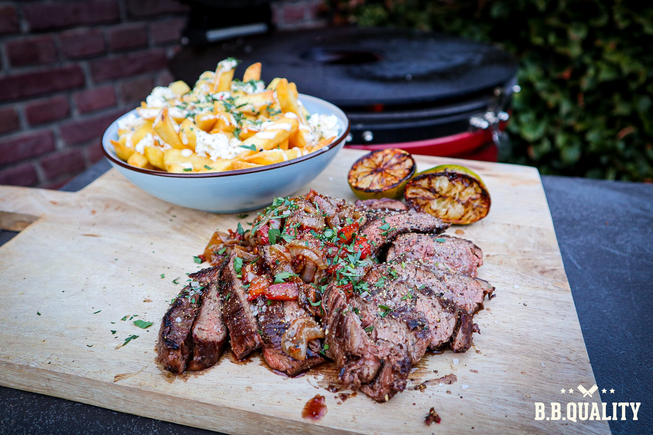 Inside skirt steak and fries recept | BBQuality