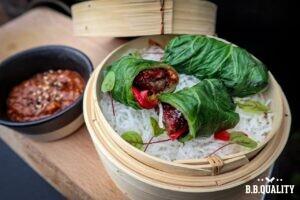 Koreaans koolrolletjes met Angus beef ribfingers en ssamjang recept